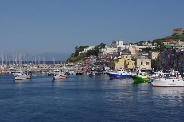 Finanziamenti Regione Campania, 135 milioni di euro per il sistema portuale